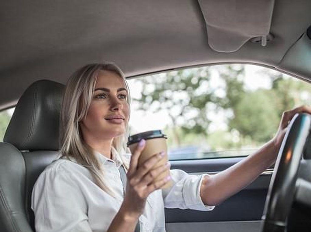 Hai Para Pria! Wanita Generasi Z Kini Lebih Senang Naik Mobil Mewah