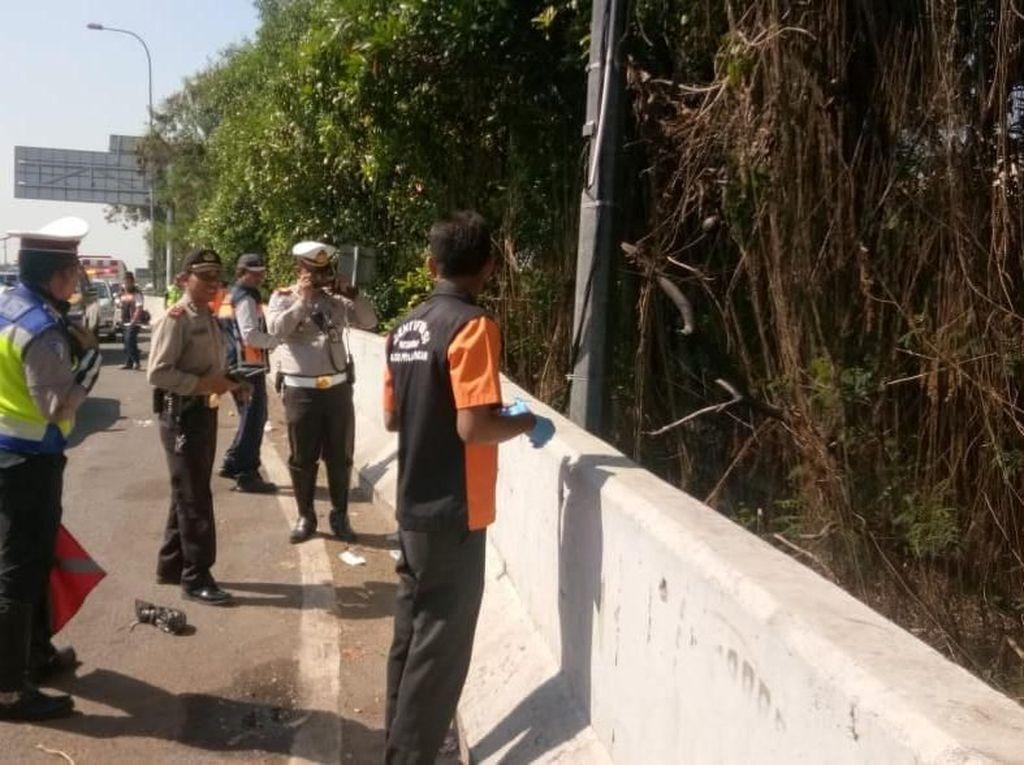 Mayat Diduga Korban Tabrak Lari Ditemukan di Dekat Tol Arah Soetta