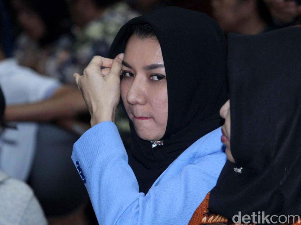 Bupati Rita Divonis 10 Tahun Penjara