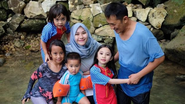 Cerita Zaskia Adya Mecca yang Jarang Belikan Anak-anaknya Mainan
