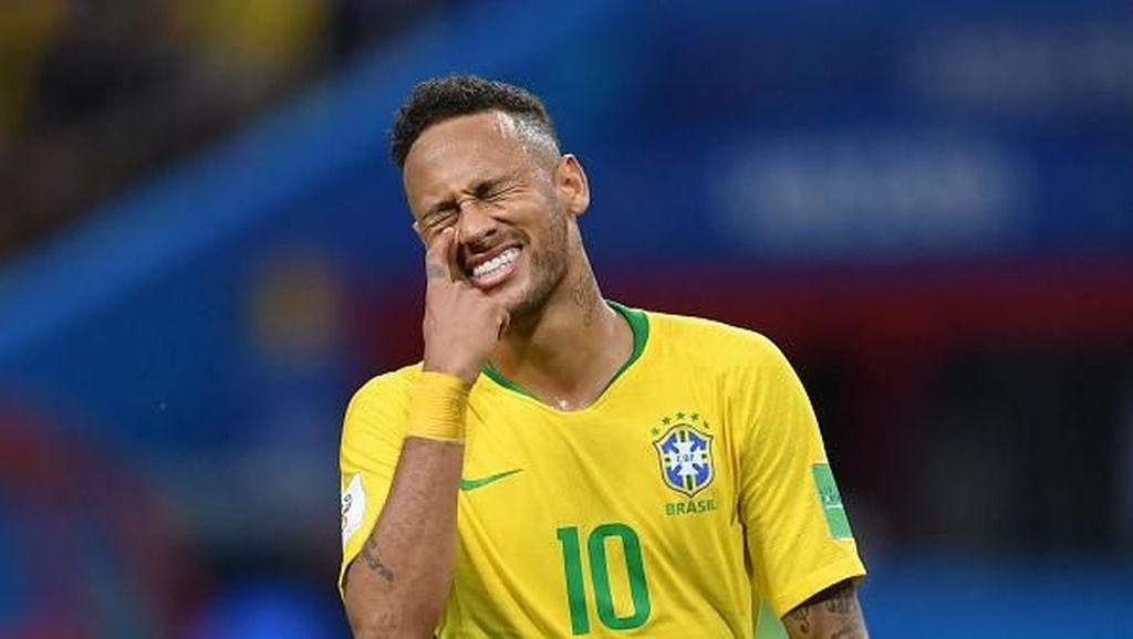 Video: Pasca Kekalahan, Neymar Masih Meladeni Fans Ciliknya