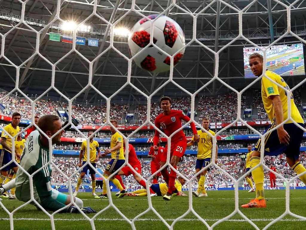 Sundulan Maguire Bawa Inggris Unggul 1-0 atas Swedia di Babak Pertama