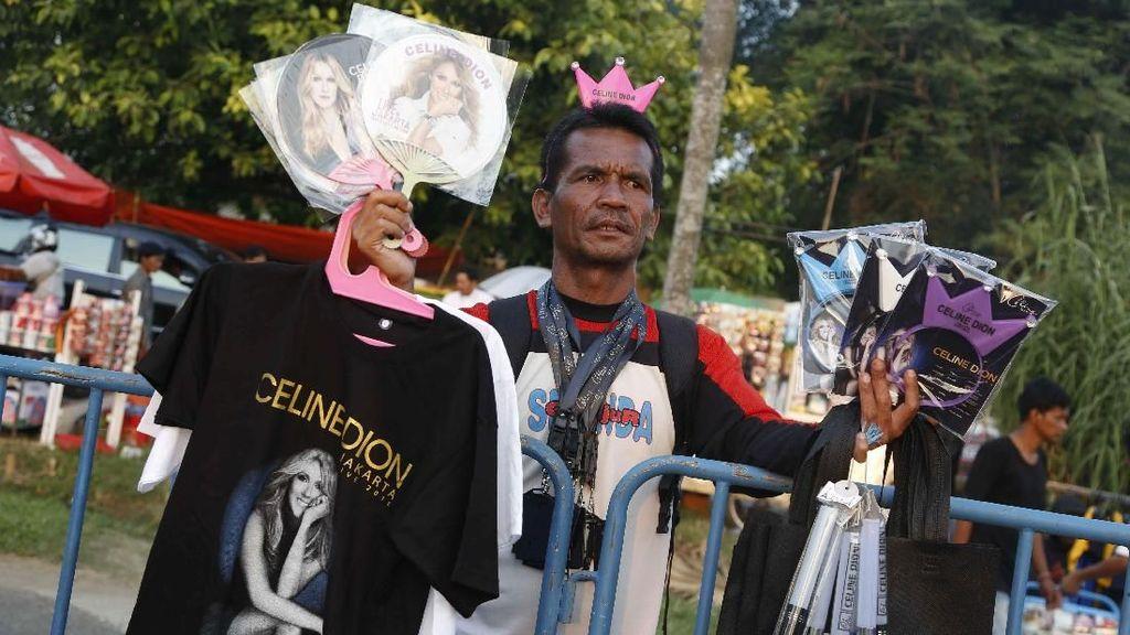Yuk! Berburu Merchandise di Konser Celine Dion