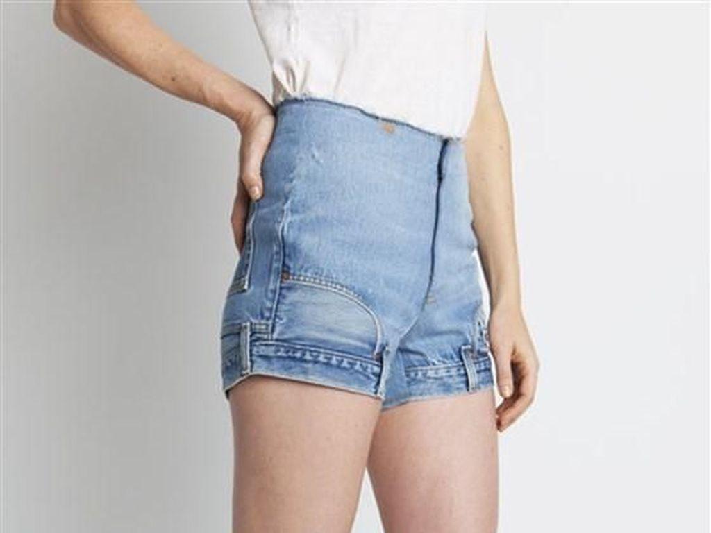 Ada Jeans Terbalik yang Aneh Banget, Harganya Rp 7 Jutaan