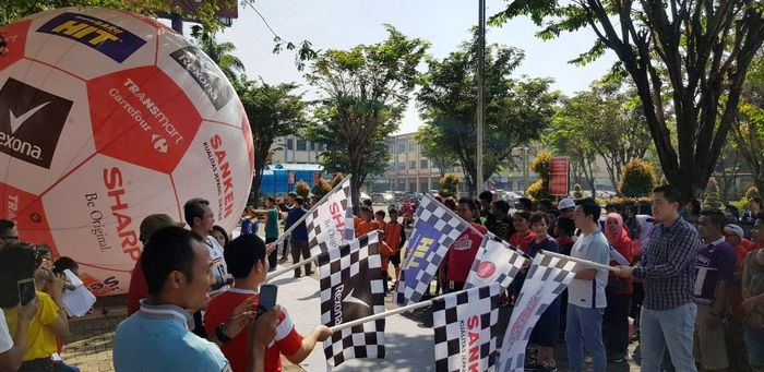 Acara bertajuk Pesta Destinasi Fans Bola ini digelar di Transmart Carrefour Tangerang Center pada Sabtu (7/7/2018). Istimewa/Transmart Carrefour.
