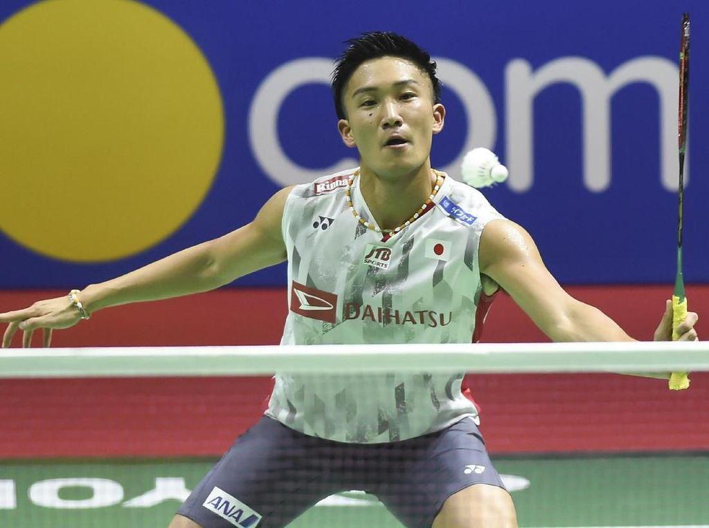 Tumbangkan Lee Chong Wei, Momota Bersiap Hadapi Axelsen di Final