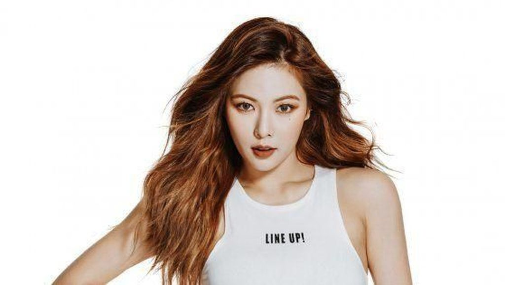 9 Artis Cantik K-Pop yang Punya Perut Sixpack, Bikin Kamu Semangat Diet