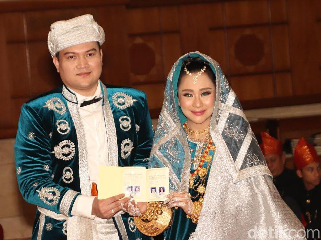 Maskawin Emas 25 Gram, Chiquita Meidy Sah Nikah dengan Indra Adhitya