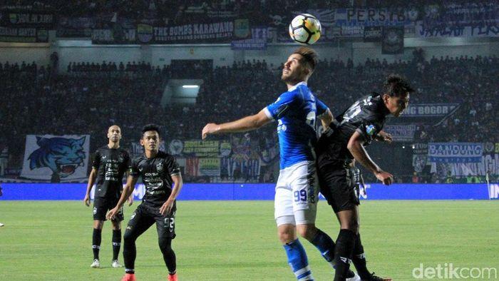 Persib dinilai bisa menang lebih besar saat menghadapi PSIS Semarang (Wisma Putra/detikSport)