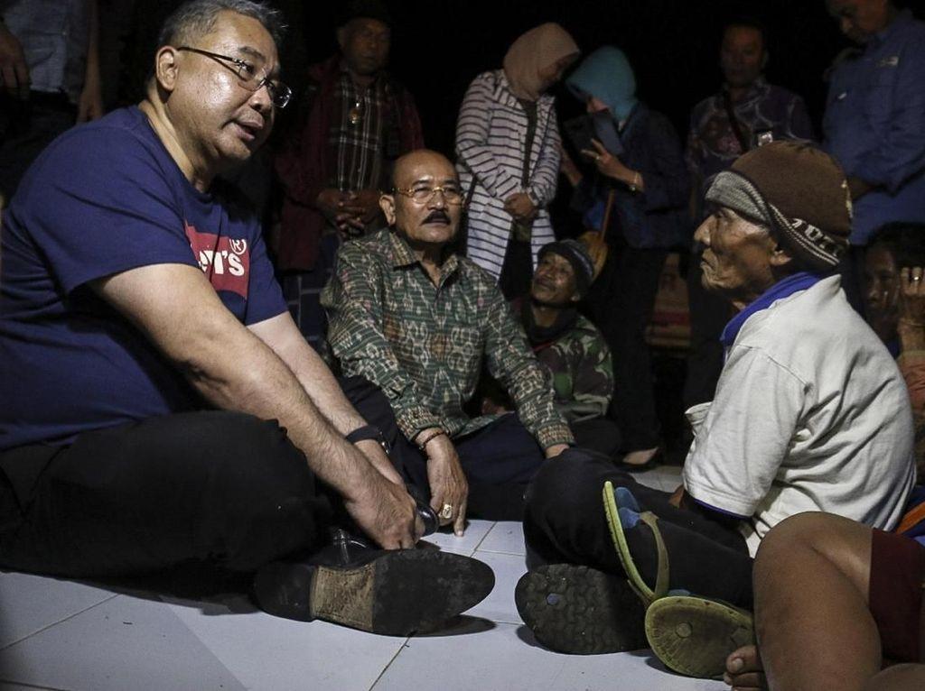 Mendes Bantu Pengungsi Gunung Agung