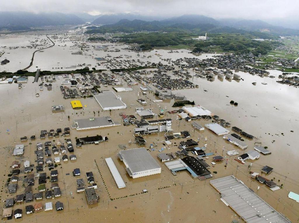 Foto: Banjir Jepang yang Tewaskan Puluhan Orang