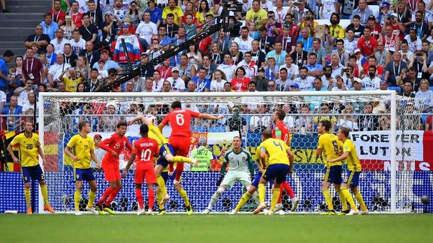 Tubuh Jangkung Kroasia vs Bola Mati Inggris