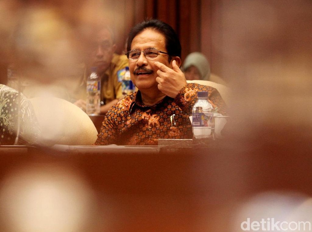 Komisi IV DPR Raker dengan Menteri ATR Sofyan Djalil