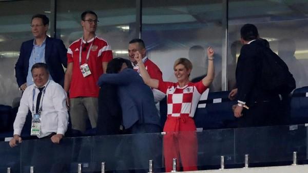 Presiden Kroasia Naik Pesawat Ekonomi Demi Dukung Negaranya di Piala Dunia