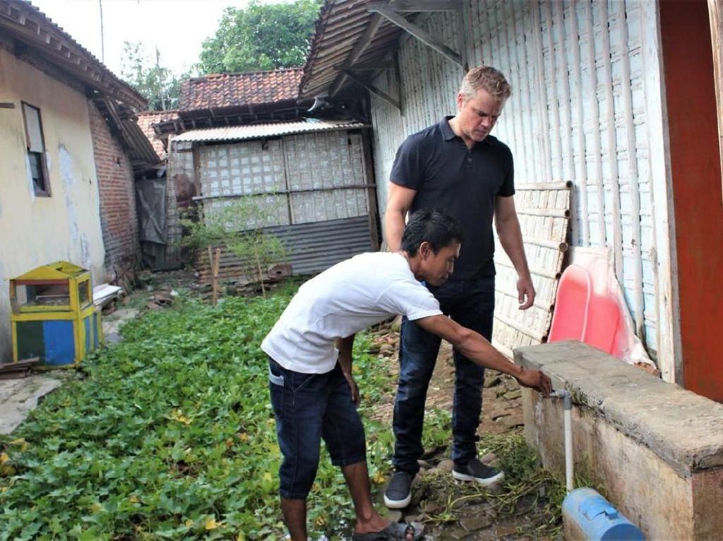 Jason Bourne Blusukan ke Kendal, Cek Air Bersih