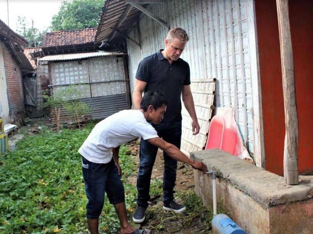 Tak Cuma Kendal, Jason Bourne Juga Blusukan ke Desa di Batang
