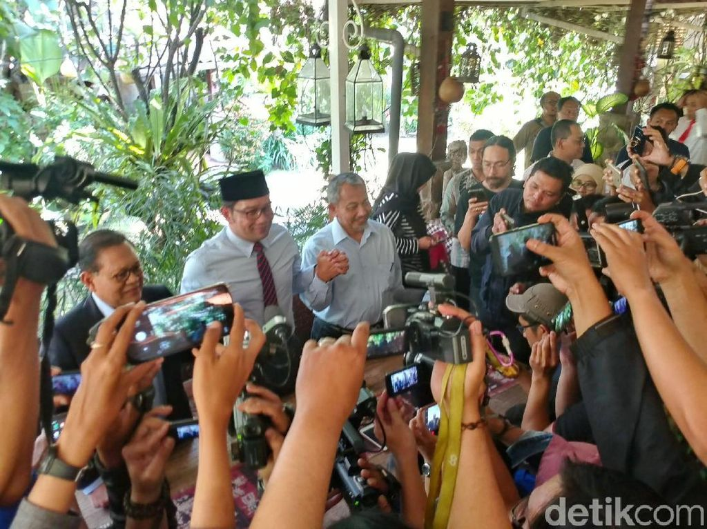 Temui Ridwan Kamil, Sudrajat-Syaikhu Ucapkan Selamat Langsung