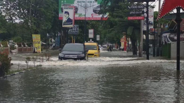 Banjir Terjang Medan, 63 Rumah Rusak
