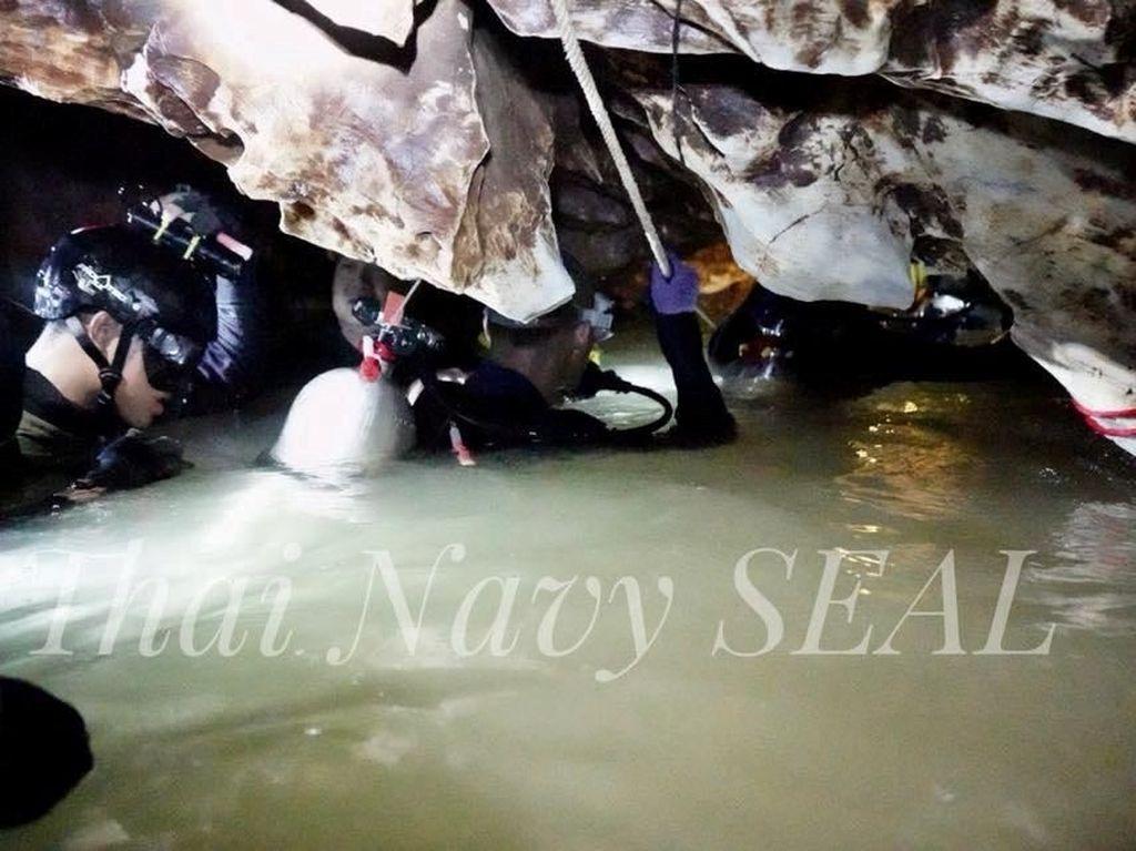13 Orang yang Terjebak di Gua Thailand Berhasil Diselamatkan!