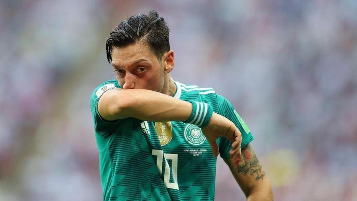Mesut Oezil sudah pensiun dari timnas Jerman (Catherine Ivill/Getty Images)