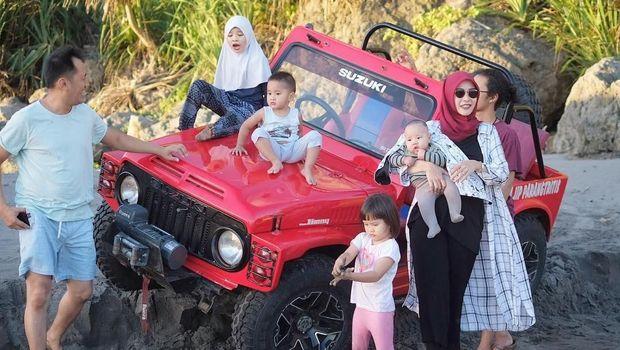 Cerita Zaskia Adya Mecca Jadi Ibu Kreatif untuk Anak-anaknya