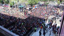 Ribuan Suporter Antre Tiket Laga Indonesia Vs Thailand di Sidoarjo