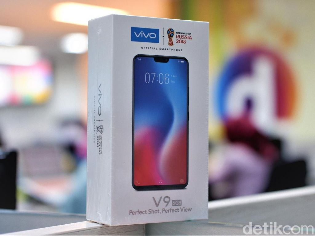 Unboxing Vivo V9 RAM 6 GB Berkelir Merah yang Menggoda