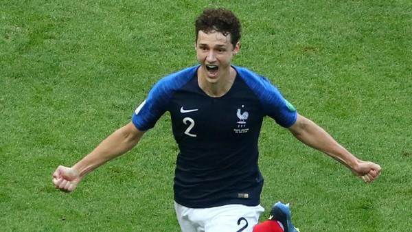 Benjamin Pavard, dari Fan Zone ke Laga Semifinal Piala Dunia