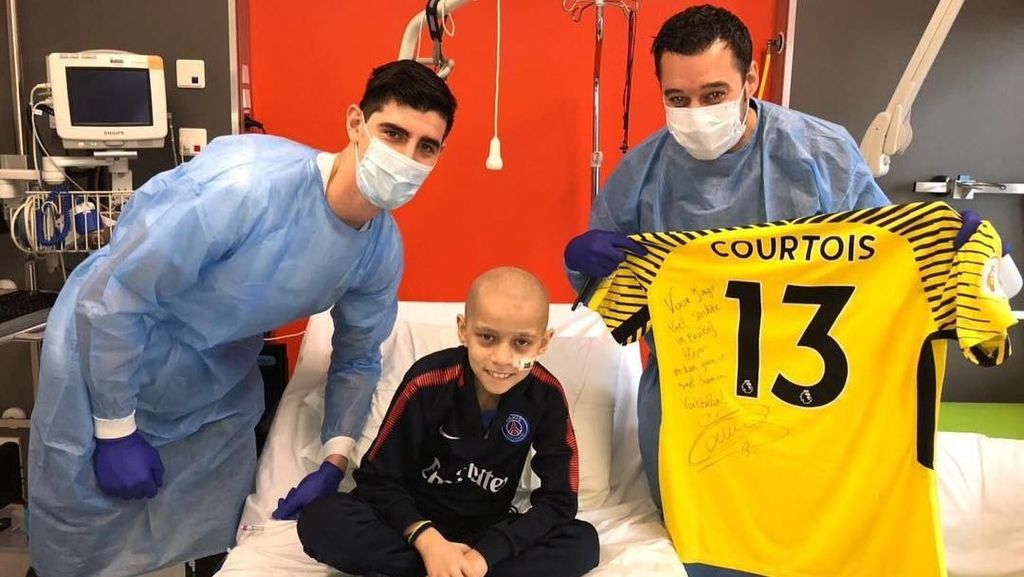 Foto: Thibaut Courtois, Kiper Belgia yang Peduli Pasien Kanker