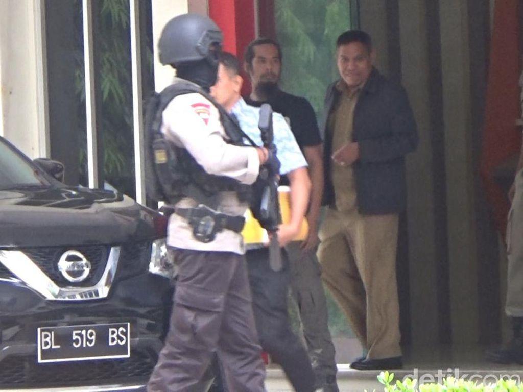 Kadispora Aceh Dibawa KPK ke Rumahnya