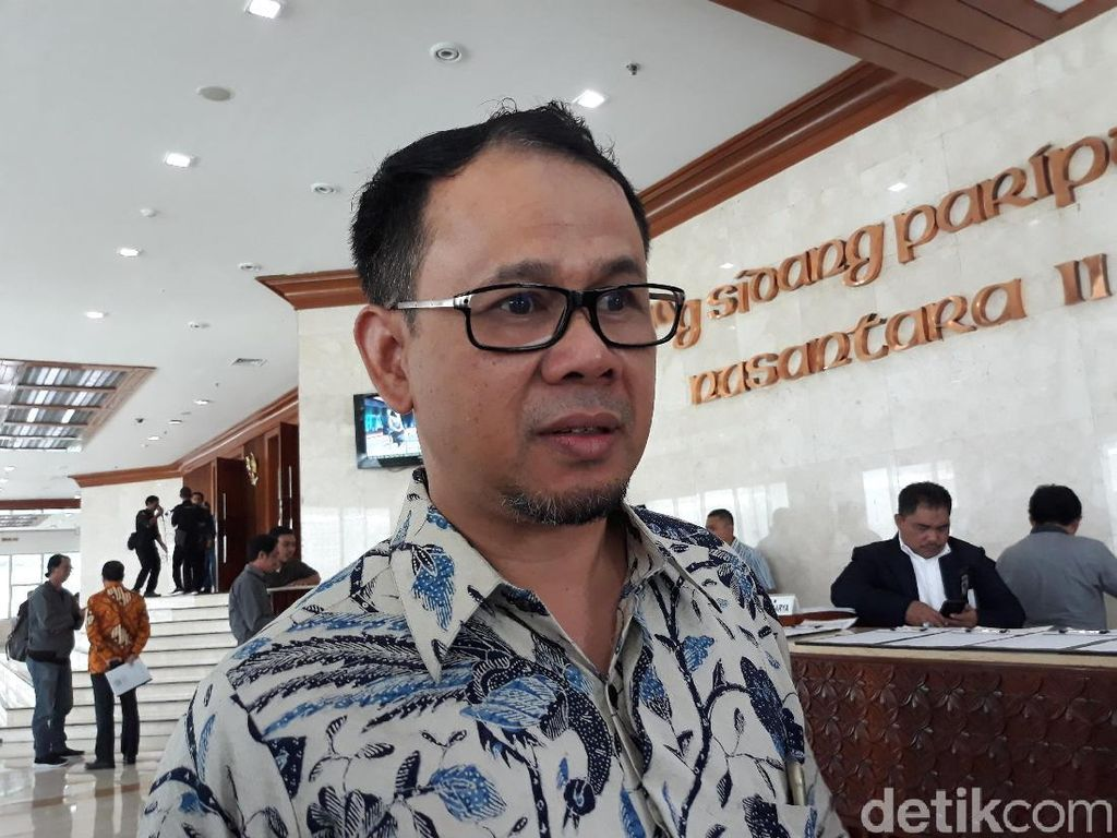 Andi Arief Sindir Gelanggang Orang Rapuh, Penggagas Partai Gelora Santai