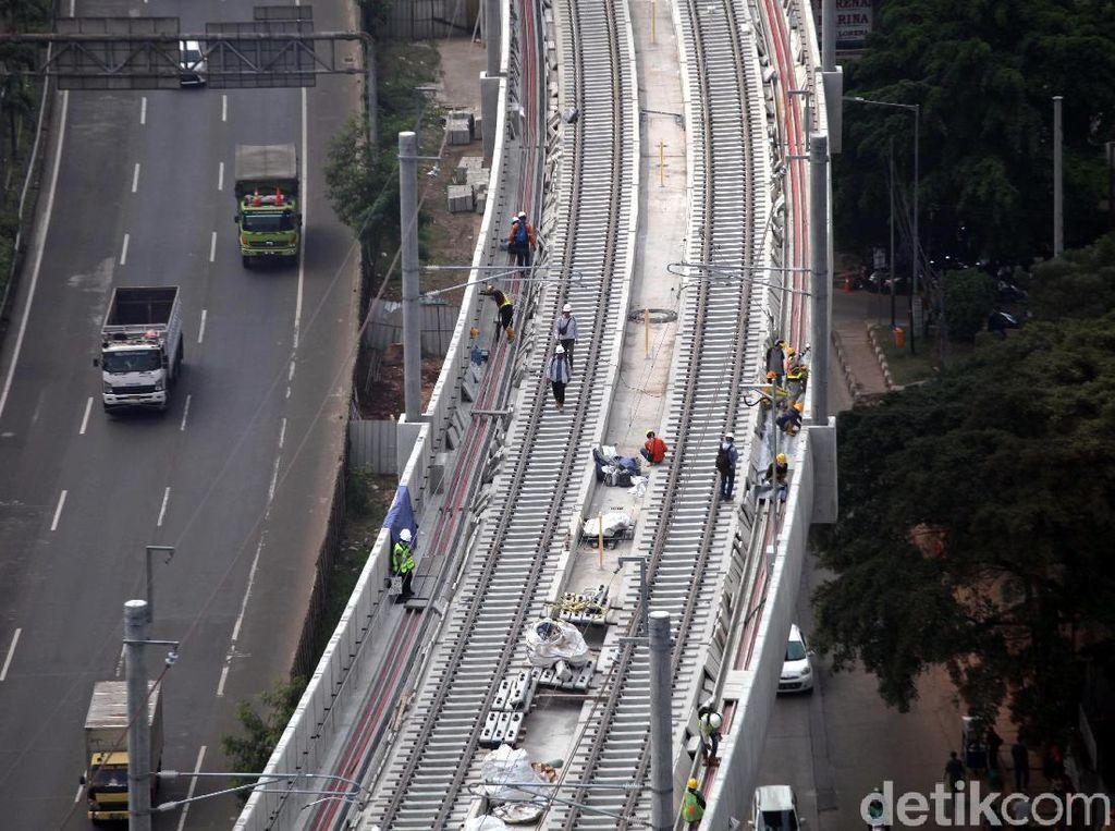 Pembangunan Transportasi Umum Gencar, Bagaimana Penjualan Motor?