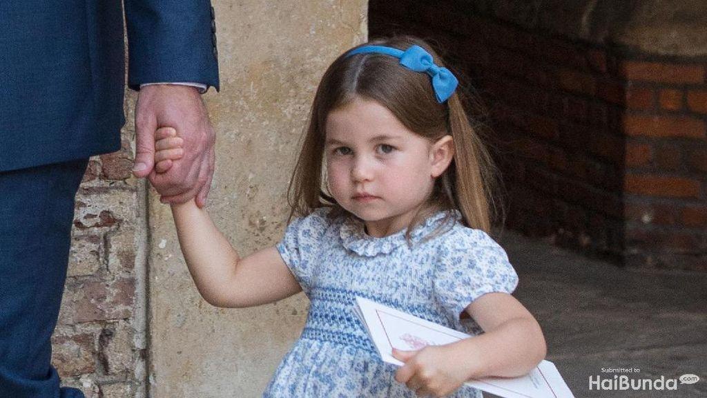Manisnya Putri Charlotte di Pembaptisan Pangeran Louis