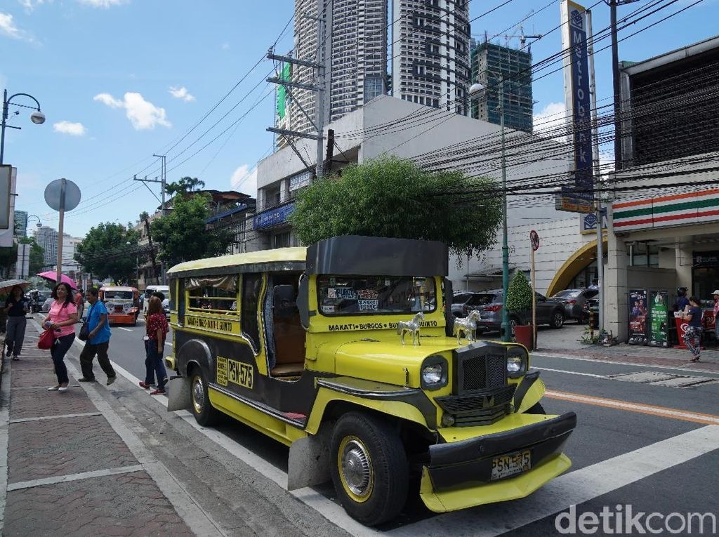 Foto: Bukan Mikrolet, Ini Jeepney Filipina!