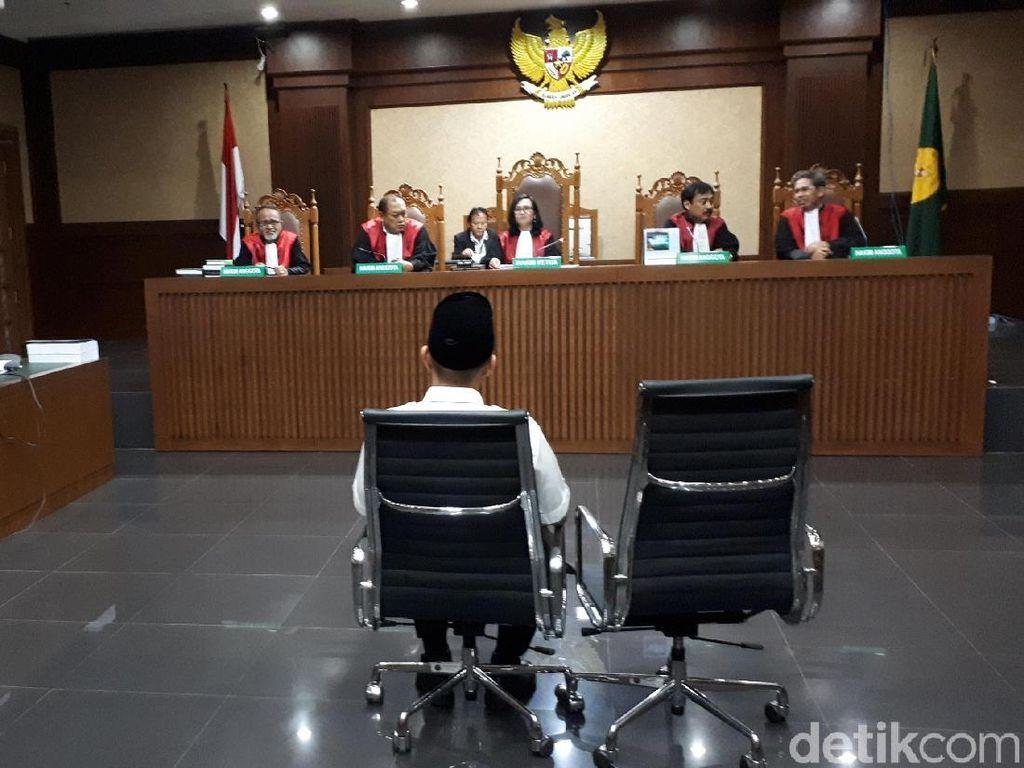 Bupati Lampung Tengah Juga Dituntut Dicabut Hak Politik 4 Tahun
