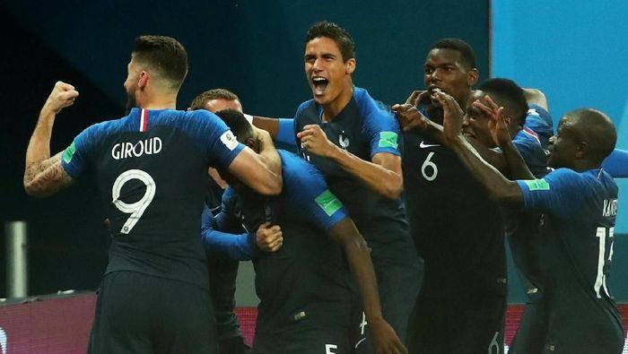 Timnas Prancis bersiap untuk pertarungan mental dengan Kroasia di final Piala Dunia 2018. (Foto: Michael Dalder/Reuters)