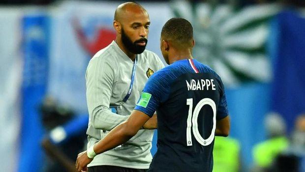 Kylian Mbappe bertemu eks pemain timnas Prancis Thierry Henry yang kini menjadi asisten pelatih Belgia.