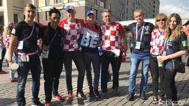 Bertemu Keluarga Striker Timnas Kroasia di Lapangan Merah