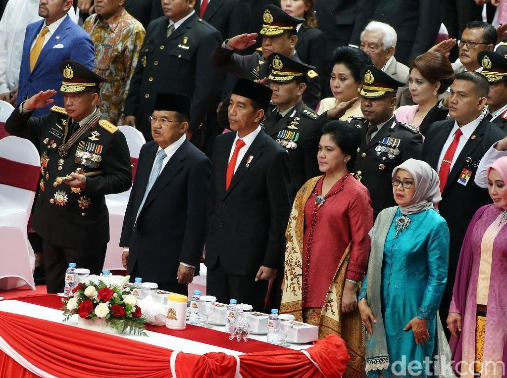 Jokowi Hadiri HUT Bhayangkara ke-72 di Istora Senayan