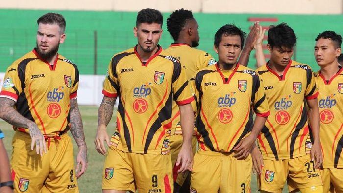 Mitra Kukar bermain imbang 0-0 dengan PS Tira dalam lanjutan Liga 1 2018 (Foto: Dok. Mitra Kukar)