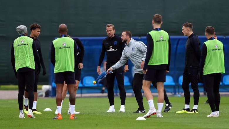 Kroasia vs Inggris: Aji Santoso Jagokan The Three Lions