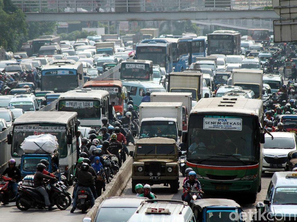 Macet, Kecepatan Mobil di Jakarta Cuma 20 Kpj