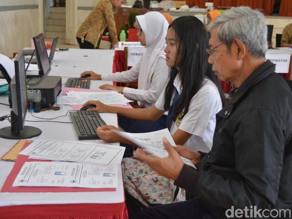 PPDB di Jawa Tengah Lagi-lagi Menuai Protes