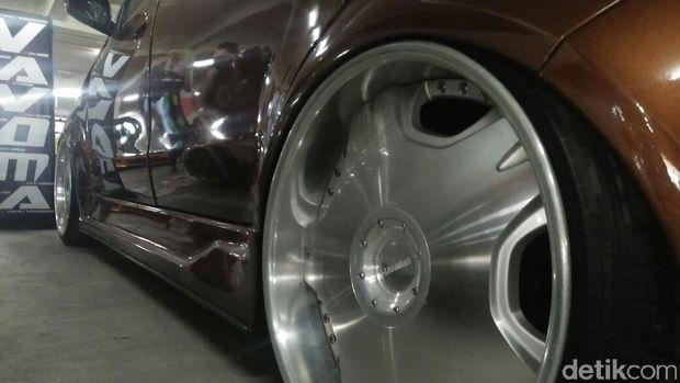 Modifikasi kendaraan beroda empat