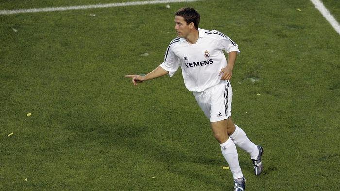 10. Real Madrid menjual Michael Owen ke Newcastle United pada musim panas 2005. Menurut estimasi Transfermarkt, Madrid total mendapatkan sekitar 22-25 juta euro dari penjualan tersebut. (Foto: Stephen Dunn/Getty Images)