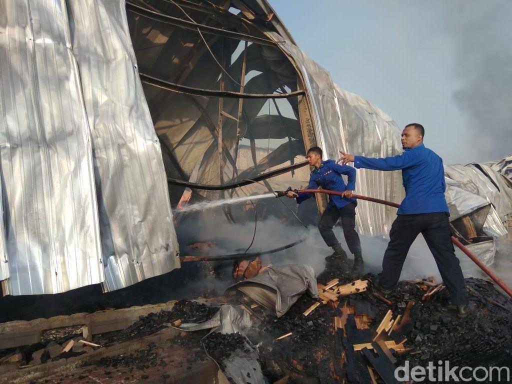 Korsleting, Pabrik Olahan Kayu di Malang Terbakar