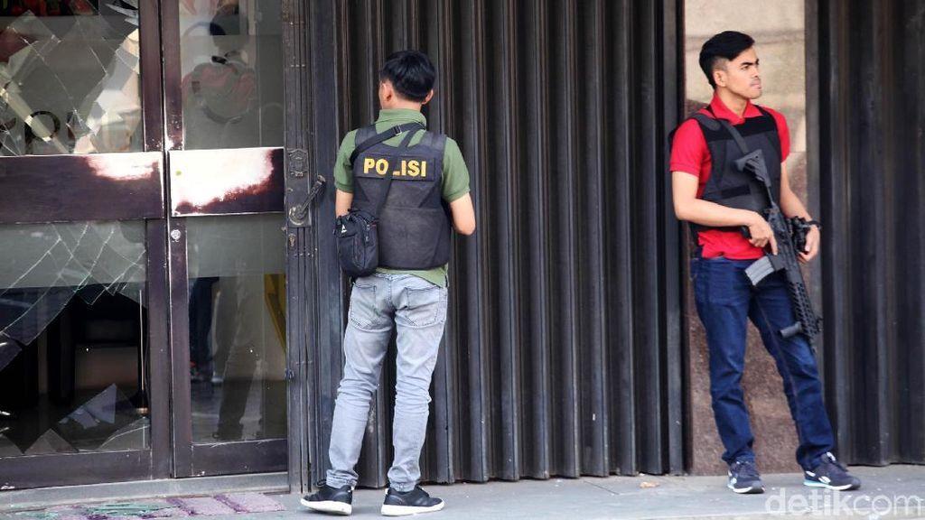 Polisi Sterilkan Lokasi Ledakan di Ruko Kebayoran Baru