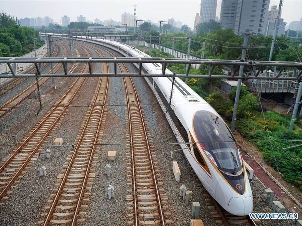Seperti Apa Bentuk Kereta Cepat Terpanjang di Dunia?