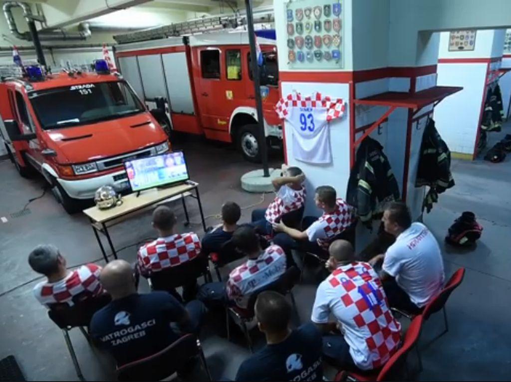 Viral Damkar Kroasia Hentikan Nobar Piala Dunia Saat Alarm Bunyi