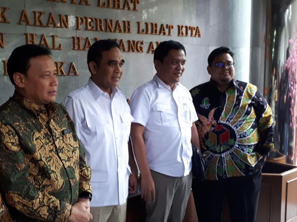 Prabowo di Luar Negeri, Gerindra Belum Teken Pakta Integritas